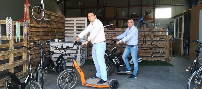 Visita del Alcalde y el Concejal de San Javier a la Fábrica – SIPP Scooter Bike.